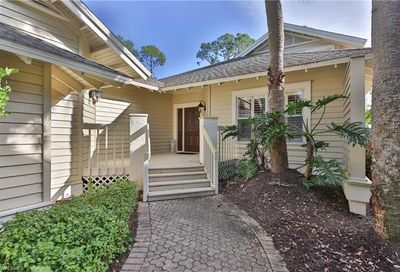 32 Golf Cottage Dr Naples FL 34105
