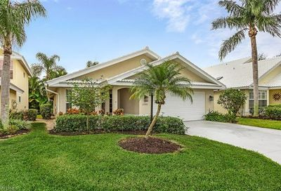 1588 Weybridge Cir N Naples FL 34110
