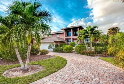 396 Sharwood Dr Naples FL 34110