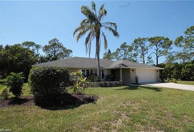 1902 Princess Ct Naples FL 34110