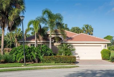 2443 Butterfly Palm Dr Naples FL 34119