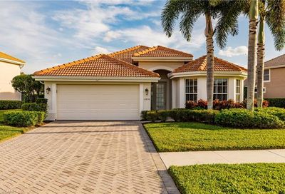 11816 Bramble Ct Naples FL 34120