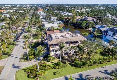 1441 Gulf Shore Blvd S Naples FL 34102