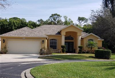 1467 Vintage Ct Naples FL 34104