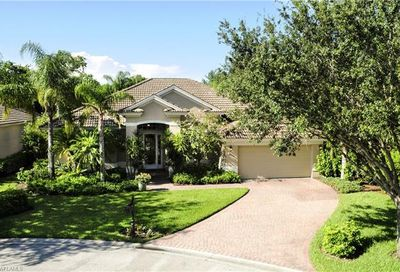 9054 Bronco Ct Naples FL 34113