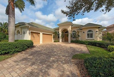 350 Saddlebrook Ln Naples FL 34110