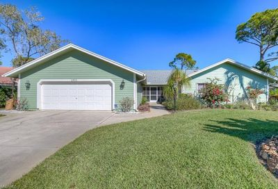 1901 Princess Ct Naples FL 34110