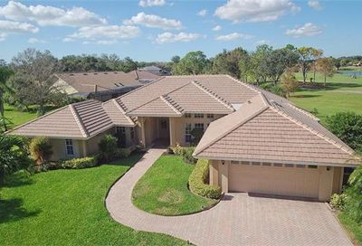 265 Stonegate Ct Naples FL 34119