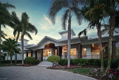 875 Gulf Shore Blvd S Naples FL 34102