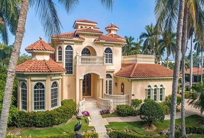 1375 Gulf Shore Blvd S Naples FL 34102