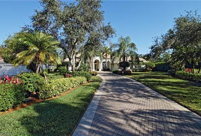 574 Wedgewood Way Naples FL 34119