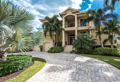 552 14th Ave S Naples FL 34102