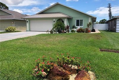 616 108th Ave N Naples FL 34108