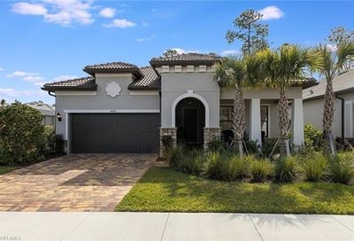 8912 Horned Lark Dr Naples FL 34120
