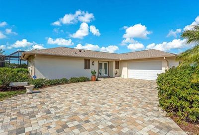 481 Cypress Way E Naples FL 34110