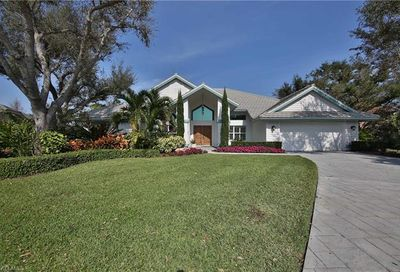 260 Stonegate Ct Naples FL 34119