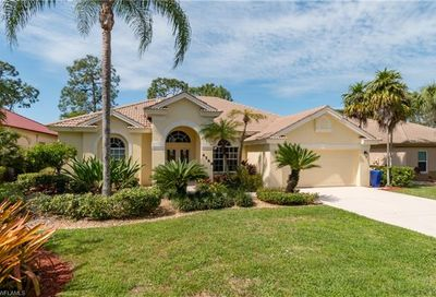 6588 Chestnut Cir Naples FL 34109