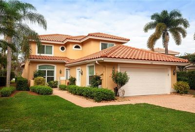 266 Edgemere Way E Naples FL 34105