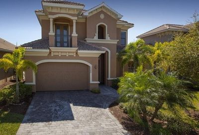 1399 Serrano Cir Naples FL 34105