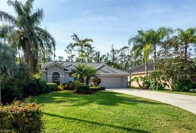 2268 Piccadilly Ct Naples FL 34112