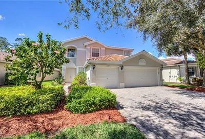 2337 Butterfly Palm Dr Naples FL 34119