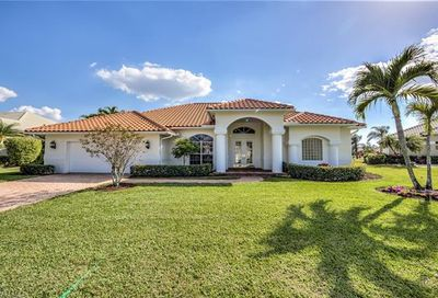 2092 Imperial Cir Naples FL 34110