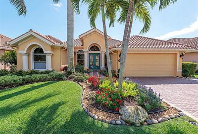 982 Tivoli Ct Naples FL 34104