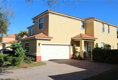 15167 Summit Place Cir Naples FL 34119