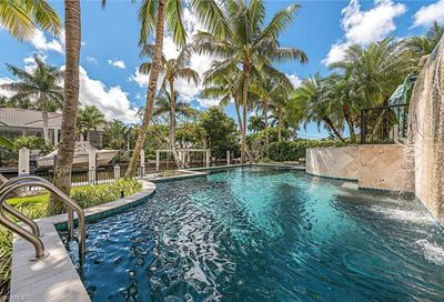440 15th Ave S Naples FL 34102