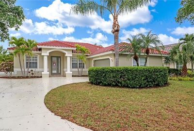 10867 Fieldfair Dr Naples FL 34119