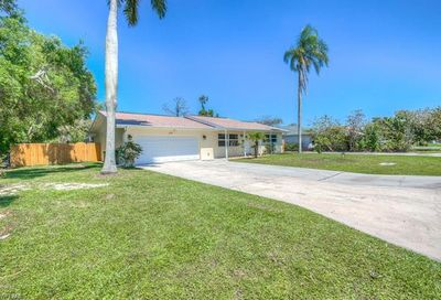 675 104th Ave N Naples FL 34108