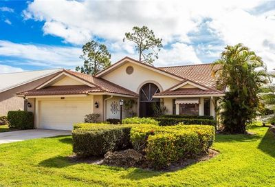 446 Countryside Dr Naples FL 34104