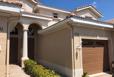 6890 Sterling Greens Ct Naples FL 34104
