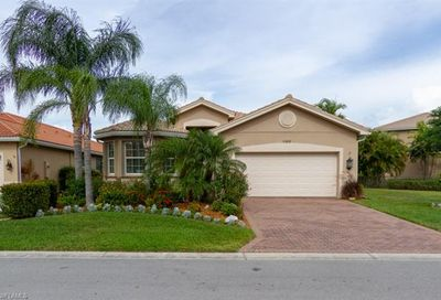 11215 Yellow Poplar Dr Fort Myers FL 33913