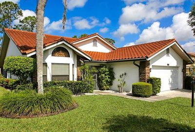 421 Countryside Dr Naples FL 34104