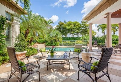 2199 Miramonte Way Naples FL 34105