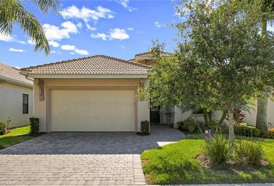 1666 Serrano Cir Naples FL 34105