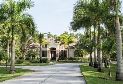 4231 Pine Ridge Rd Naples FL 34119