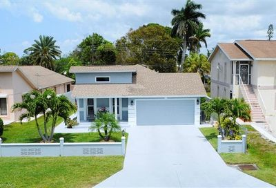 607 92nd Ave N Naples FL 34108