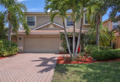 8360 Laurel Lakes Blvd Naples FL 34119