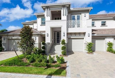 8037 Signature Club Cir Naples FL 34113