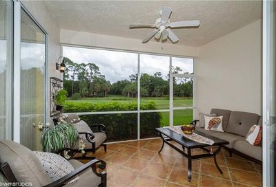 1940 Willow Bend Cir Naples FL 34109