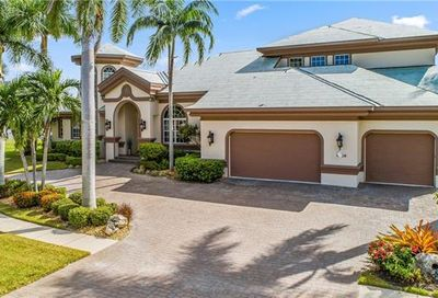 1289 Orange Ct Marco Island FL 34145