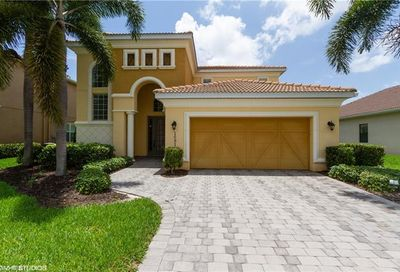 1681 Serrano Cir Naples FL 34105