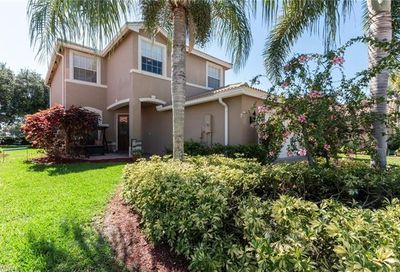 2072 Painted Palm Dr Naples FL 34119