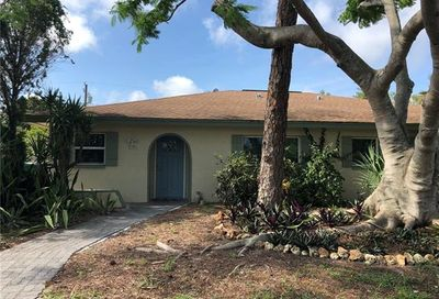 639 102nd Ave N Naples FL 34108