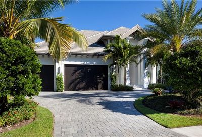 509 Neapolitan Way Naples FL 34103