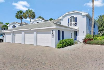 7091 Barrington Cir Naples FL 34108