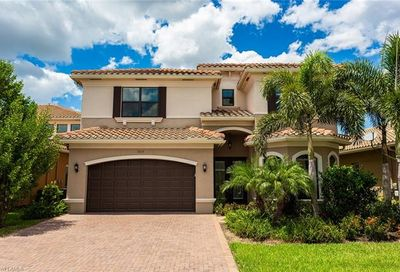 3212 Pacific Dr Naples FL 34119