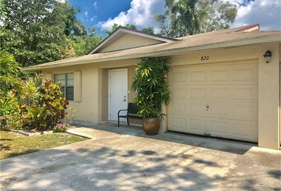 820 100th Ave N Naples FL 34108